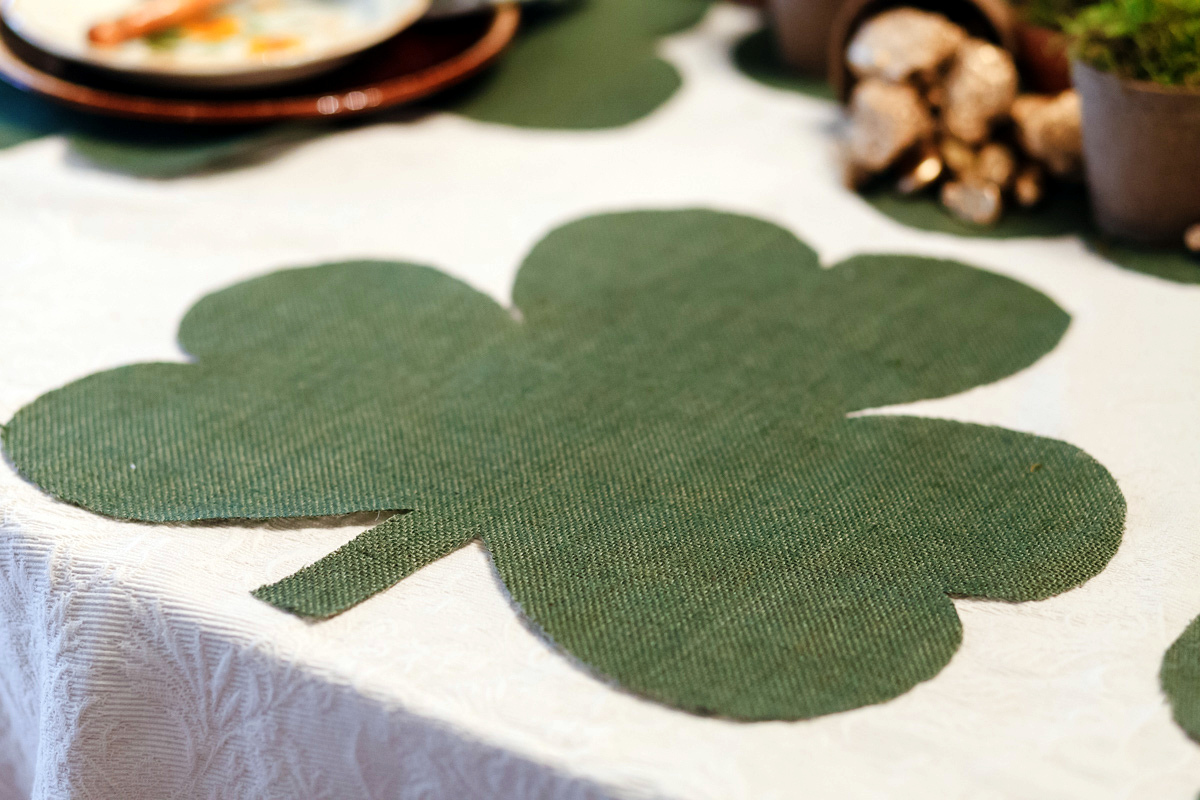 Shamrock placemats crafts the bitter socialite add a personal touch to your holiday decor this year by crafting your own shamrock inspired placemats and mini clover sprigs that st patrick himself would biocorpaavc Gallery