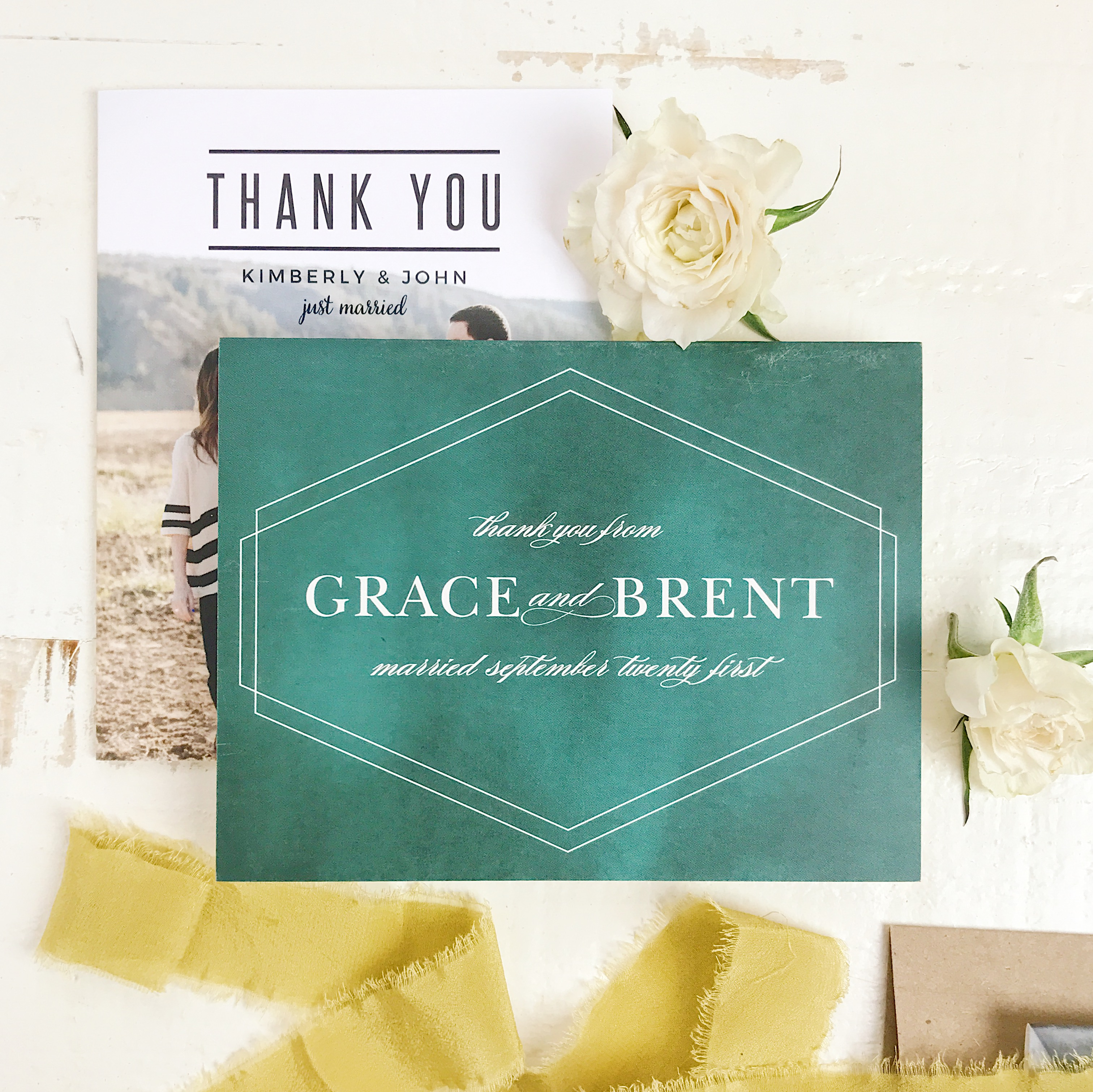 A thank you note that's equally thoughtful and meaningful contains a few key elements to really express your gratitude. Whether it's an overnight stay, a gift, or lovingly prepared dinner at neighbors, saying thank you can sometimes leave us at a loss for words. Follow the steps below to write the perfect not for those special moments.